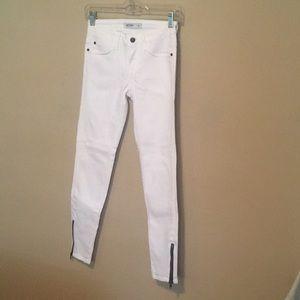 Just Black White Zipper ankle skinny jeans